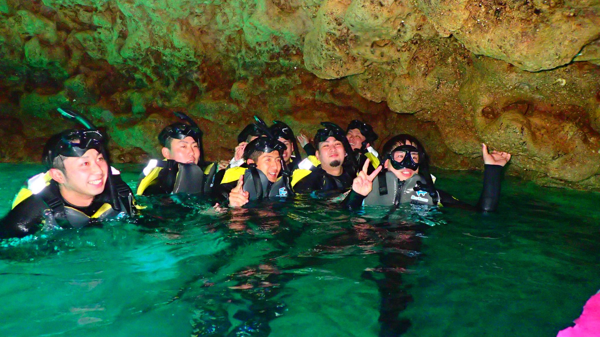 青の洞窟/卒業旅行 in 沖縄