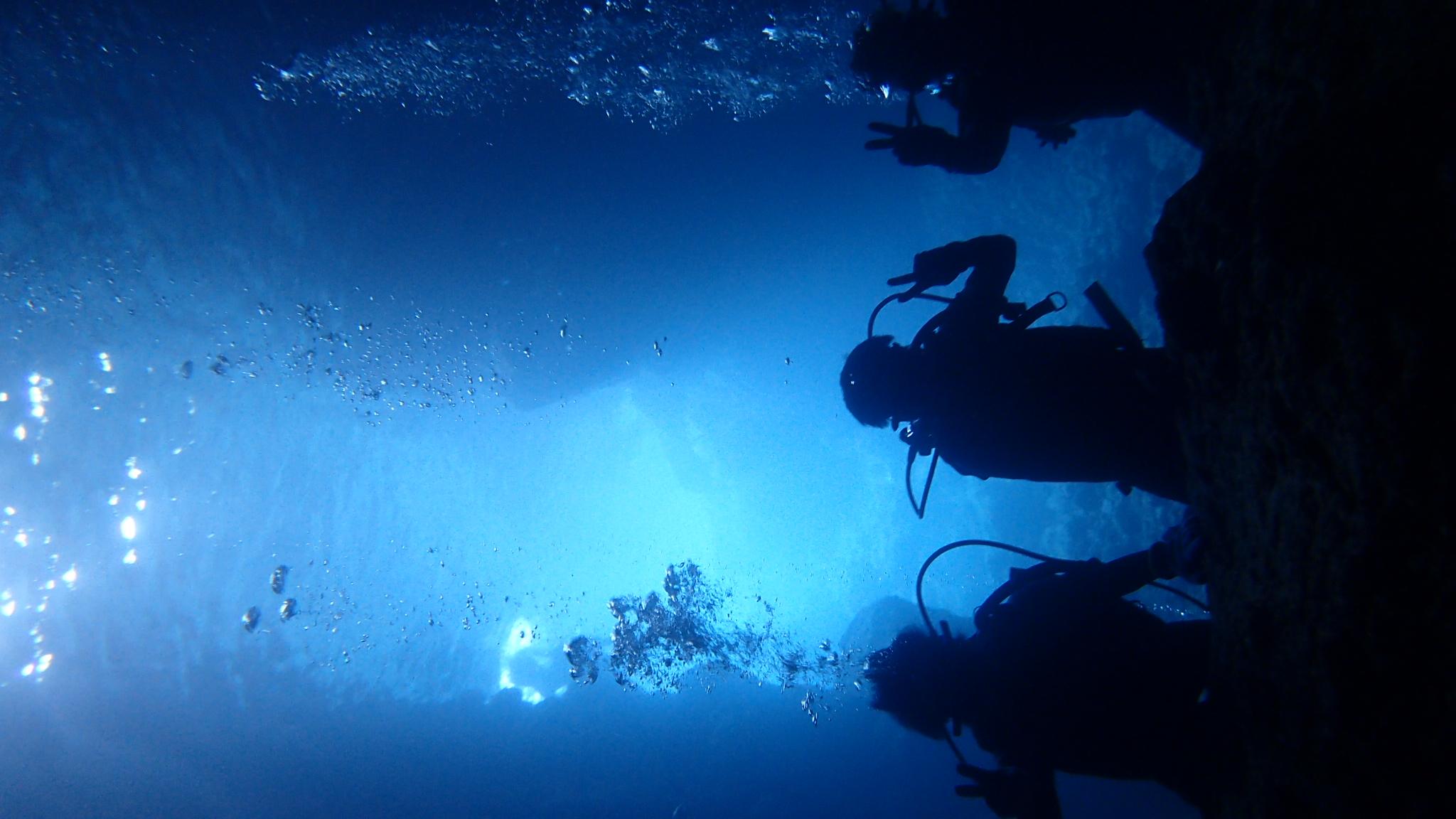 体験ダイビング・青の洞窟