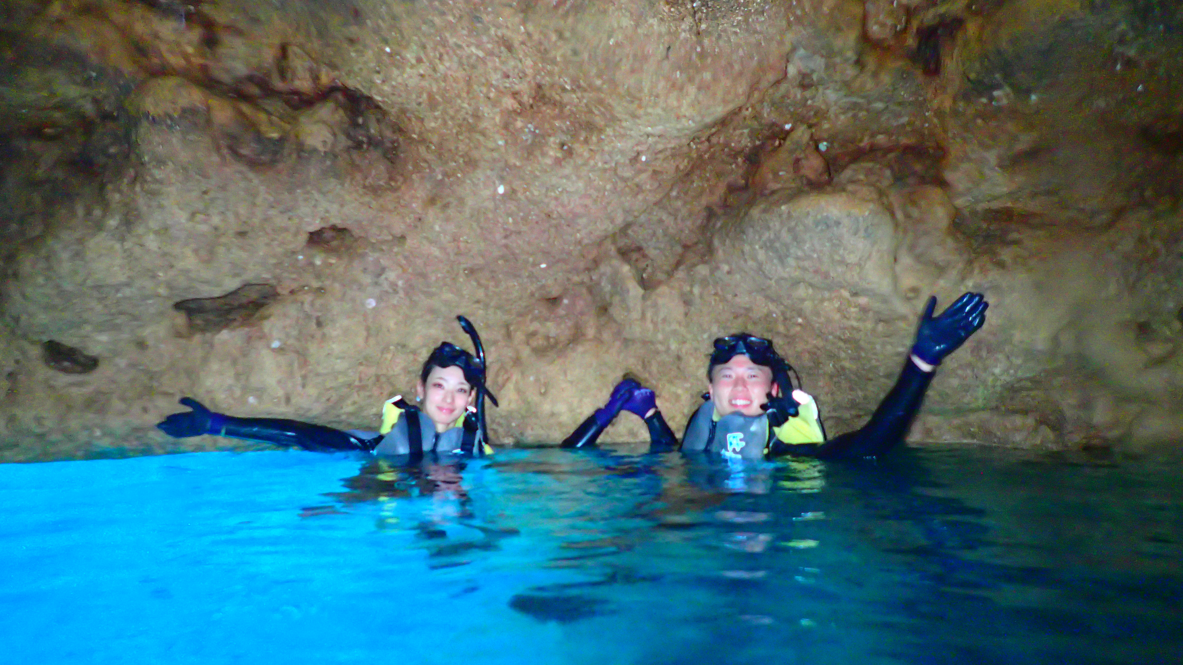 沖縄本島青の洞窟シュノーケル